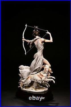 Giuseppe Armani Diana Goddess of the Hunt Rare L. E. 68/750 Figurine # 1932C