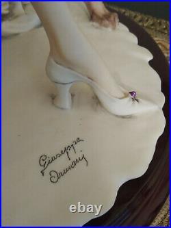 Giuseppe Armani Promenade 1562/C Limited Edition Figurine Lady with Greyhounds