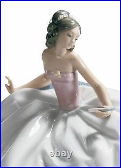 Lladro At The Ball Woman #5859 Brand New In Box Lady Sitting Dress Flower F/sh