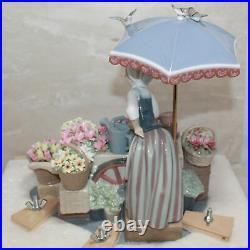 Lladro Figurine 1454 Flowers of the Season, No/ Box