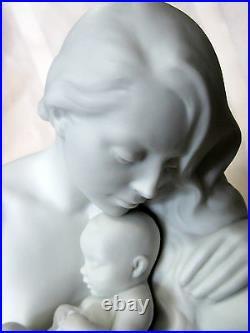 Lladro Love's Bond Mother Figurine #9224 Brand New In Box Baby White Save$$ F/sh