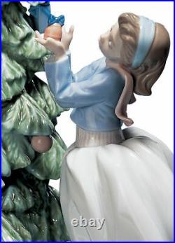 Lladro Trimming The Tree #5897 Brand Nib Christmas Holiday Boy Girl Save$$ F/sh