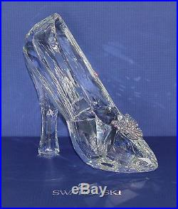 NEW Disney Cinderella Slipper Swarovski Crystal LE 400 Glass Shoe Figurine #276