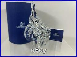 Swarovski Crystal Figurine Mother Elephant 7610 000 081 / 678945 MIB WithCOA