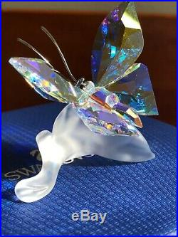 Swarovski crystal figurine Sparkling Butterfly on a Leaf 1113559 New in Box